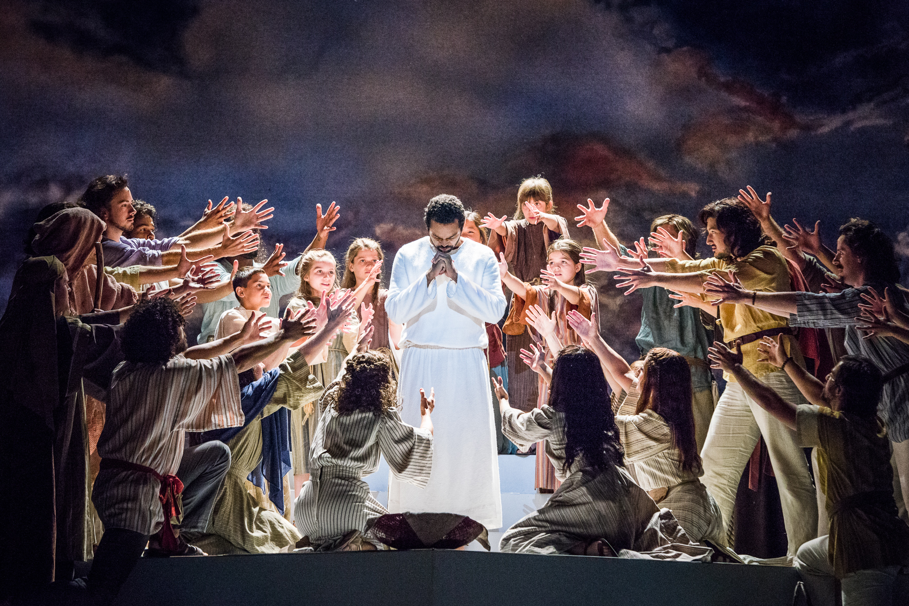 Review Jesus Christ Superstar Dazzles Ordway Twin